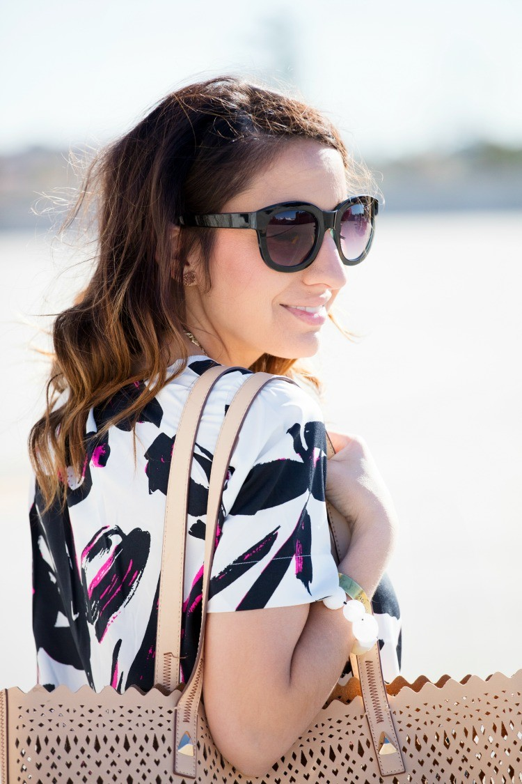 Love this top and bag
