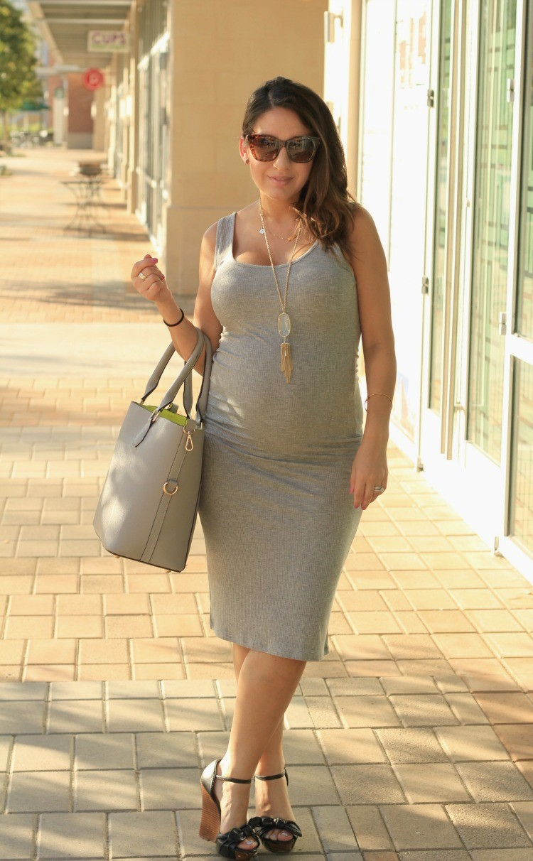 Perfect summer time grey dress + Maternity Style