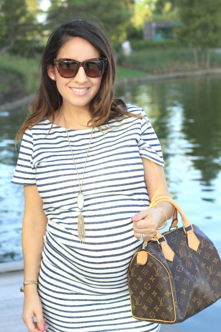 Tortoise Shell Sunglasses, Pearls, and Kendra Scott