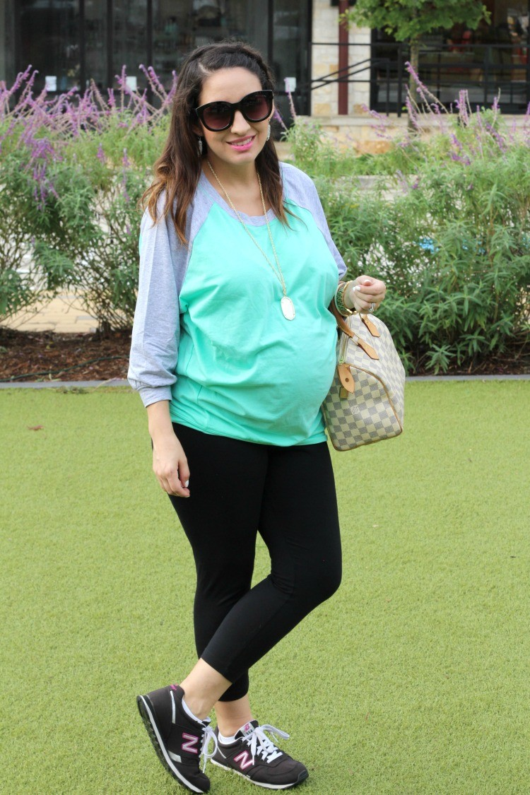 Mint and Grey Dolman Slouchy Tunic, leggings, and Kendra Scott. Maternity Style