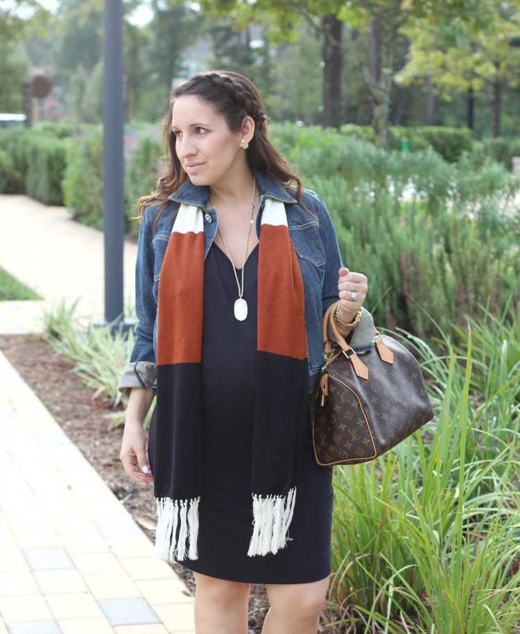 Cute fall maternity style