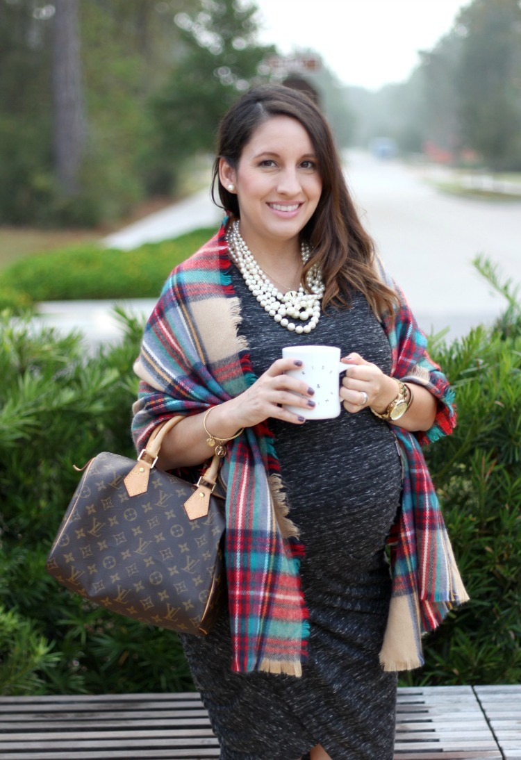 petite-fashion-blog-pretty-in-her-pearls-houston-style-maternity-style-rise-and-shine-diner-mug