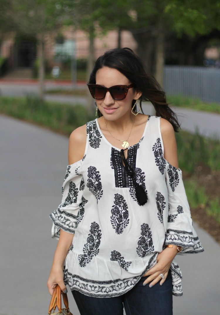 Filly Flair Cold Shoulder Top and skinny jeans   Petite Style Blogger   Filly Flair Must Have Top   Houston Blogger