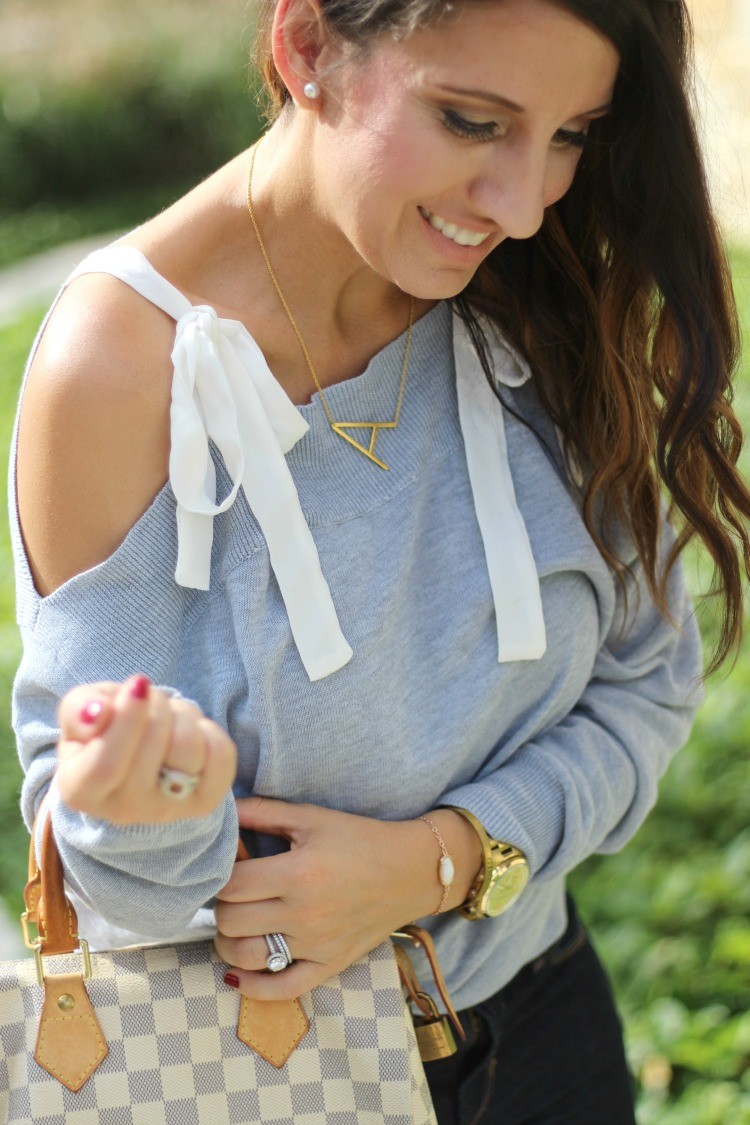 Contrast Ribbon Tie Shoulder Top, Skinny jeans, and heels, Pretty In Her Pearls, Houston Blogger, Petite Blogger, #HoustonBlogger #PetiteBlogger #Romwe
