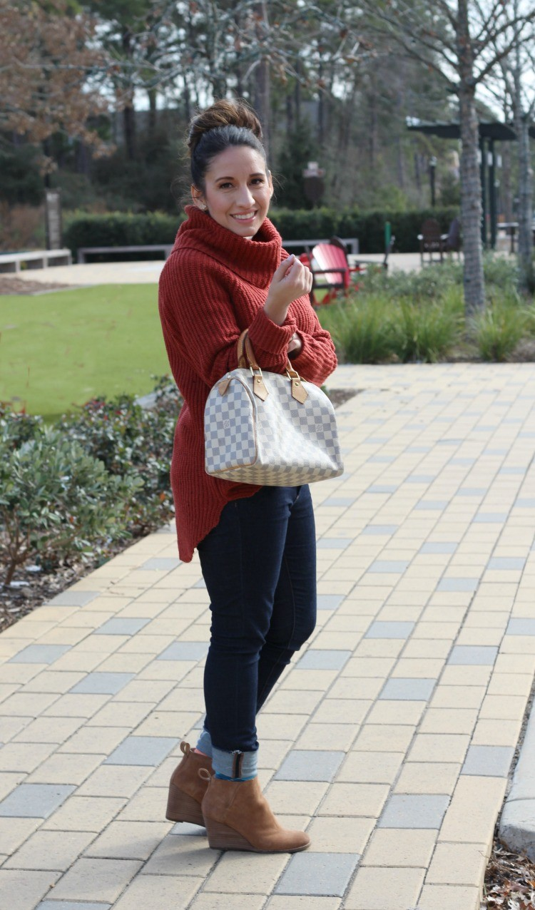 Turtleneck sweater, skinny jeans, and booties, Pretty In Her Pearls, Hosuton Blogger, Petite Blogger, Style Blogger