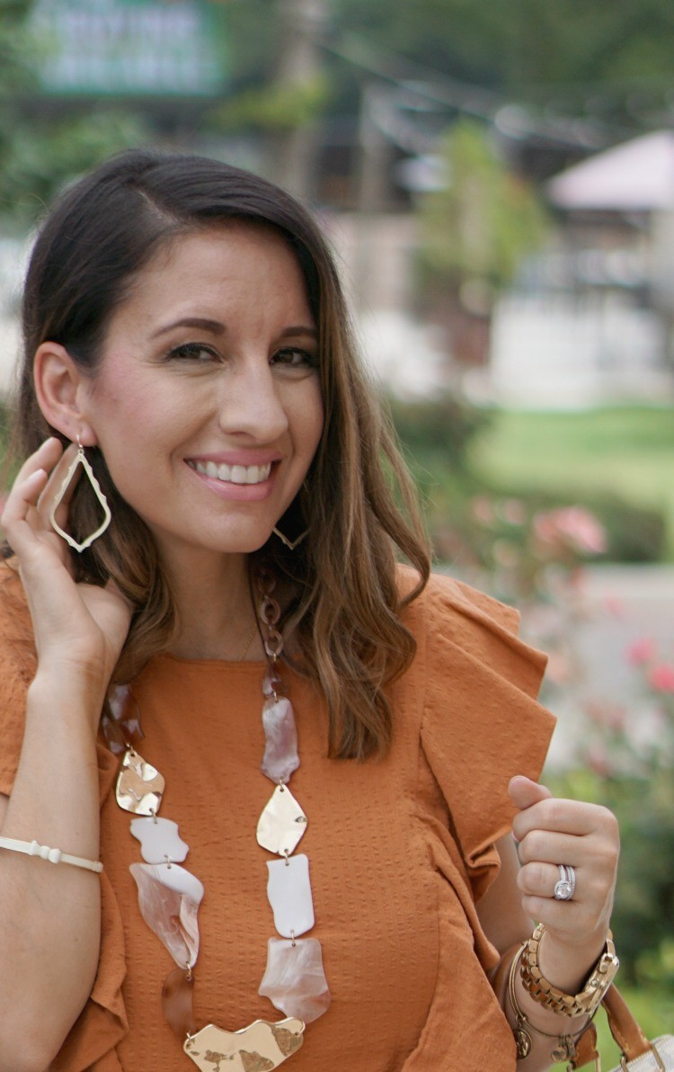 Seersucker top and Kendra Scott earrings